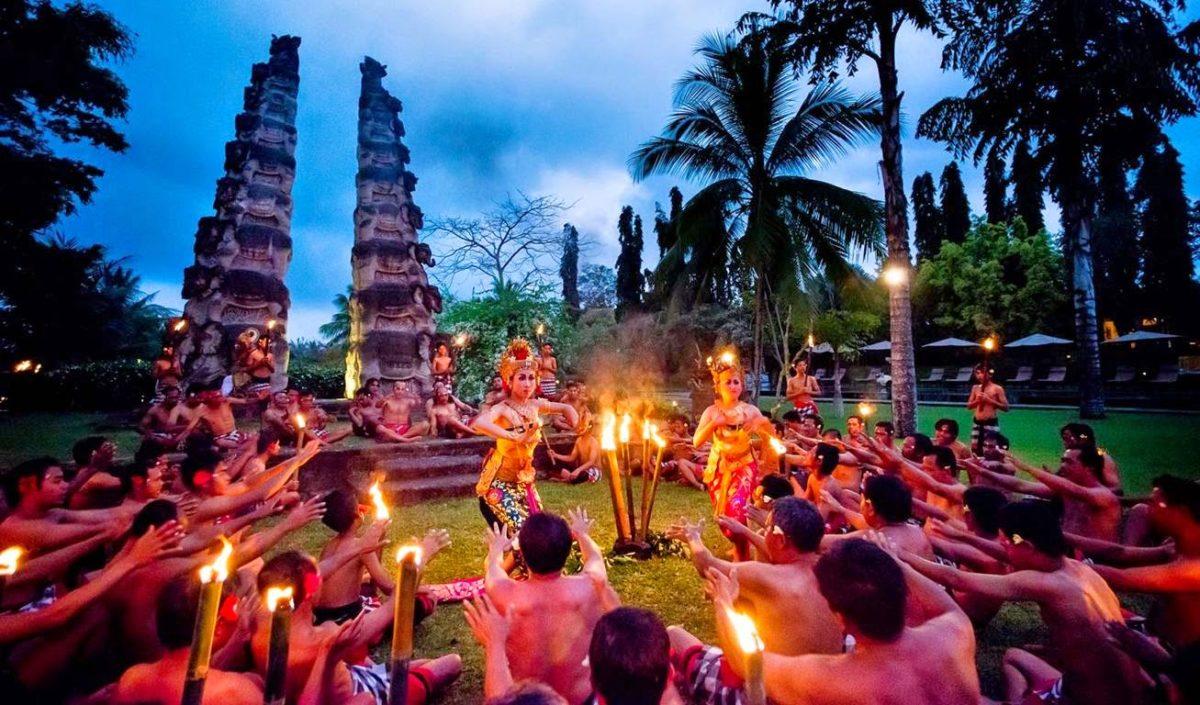 Miris! 5 Budaya Indonesia Ini Diklaim Negara Lain