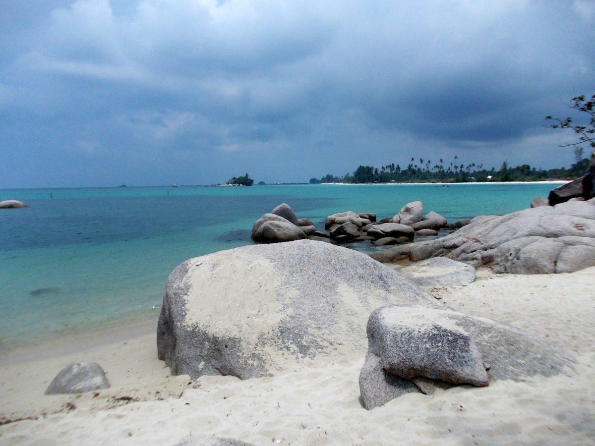 10 Pantai Paling Indah di Indonesia